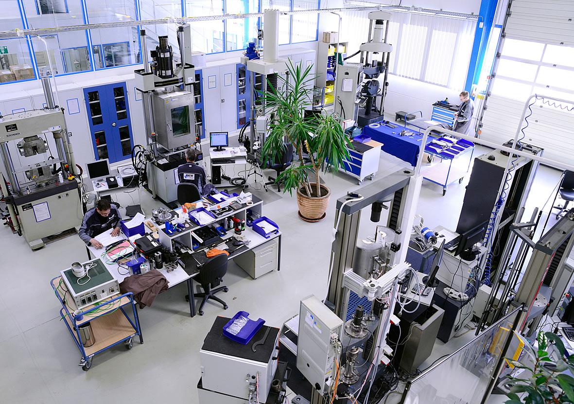 Destructive materials testing on metallic materials